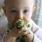 Baby's eten geven: knoeien met de Rapley-methode voorkomen