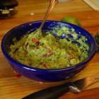Borrelhapjes, guacamole en dipsauzen met hüttenkäse