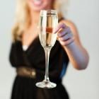 Werkt alcohol sneller op een lege maag?