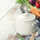 Wat zegt de etiquette over eten opdienen en eten?