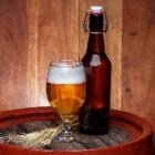 Hoe wordt alcoholische drank zoals wijn en bier gemaakt?