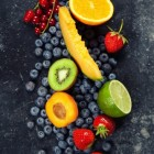 Twee snelle toetjes met vers fruit en mascarpone