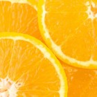Gebakken banaan met sinaasappelrasp