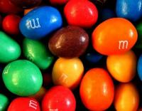 <STRONG>M&M's Pinda</STRONG>, de populairste M&M's  / Bron: Anders Lagerås, Wikimedia Commons (CC BY-SA-3.0)