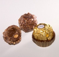 <STRONG>Ferrero Rocher</STRONG>, een luxe chocolade lekkernij / Bron: A. Kniesel, Wikimedia Commons (CC BY-SA-3.0)